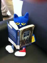 Pete the Cat reading