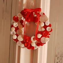 """wreath light"" by Nicole Vaughan/Flickr"