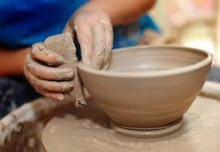 District Clay Pottery on the Wheel Demonstration