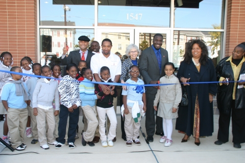 Parklands-Turner ribbon-cutting