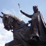 king statue